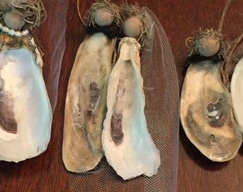 bride and groom oyster shells ornament