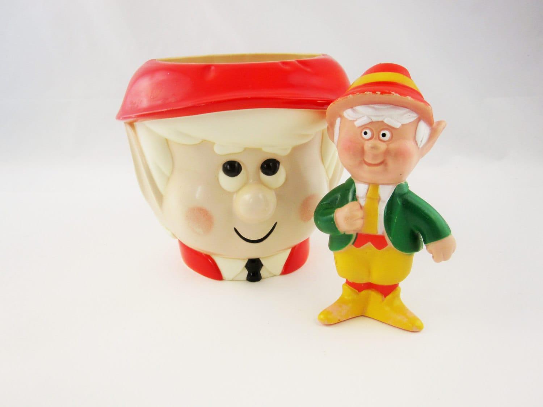 A Plastic 39 Keebler 39 Cookie Jar And Mr Keebler Hard