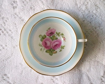 Roslyn Fine Bone China Blue and White Pink Rose Floral Footed Teacup & Saucer - Made in England