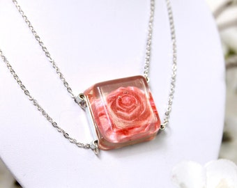 Necklace multi-row square resin transparent inclusion pink