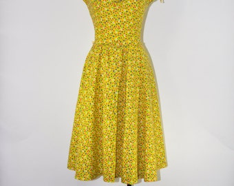 70s yellow floral dress / floral peasant dress / sleeveless folk dress