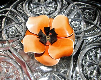 Open Bloom Tangerine Brooch With Black Center Two Tone Dimensional Resin Vintage Gift Collectible Item 1497