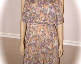 70's Lavender Floral dress with flutter sleeve size M