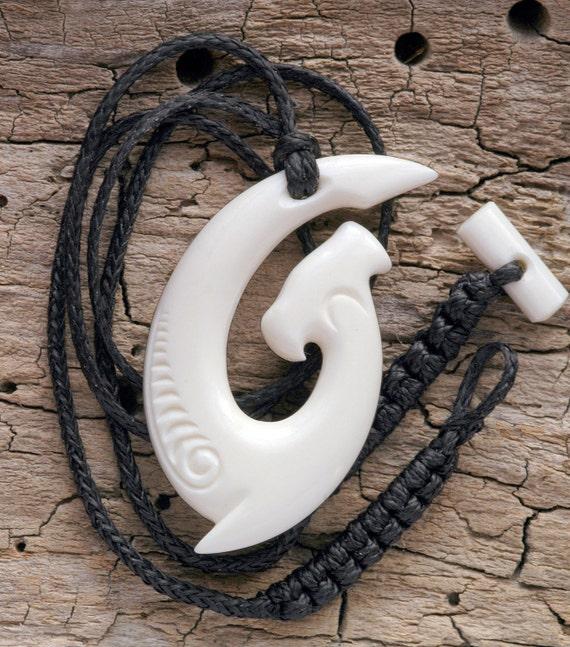 Maori hammerhead hei matau bone carving necklace by