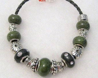 223 - CLEARANCE - Green Speckle and Black Bracelet