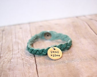 good vibes bracelet, good vibes only, essential oil bracelet, birthday git, bridesmaid gift, christmas gift, quote jewelry, insirational