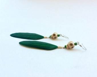 Linda Calavera feather earrings-forest green (skull feather earrings, dia de los muertos, day of the dead, Halloween, earrings)