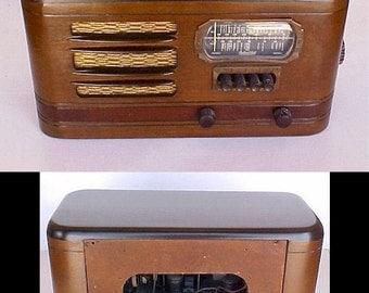 Vintage Radio MP3 Speaker