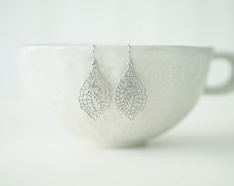 Silver Filagree Paisley Pattern Earrings