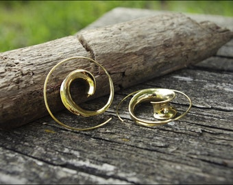 Earrings spiral bronze. Tribal brass spiral earrings. Ethnic. Boho jewelry.