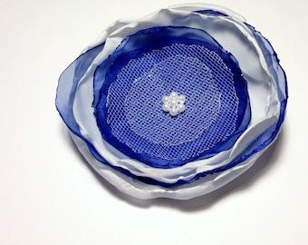 Blue and white flower hair clip - singed fabric, alligator clip, beads, tulle - women, girls, handmade hair accessory, gift, Penn State