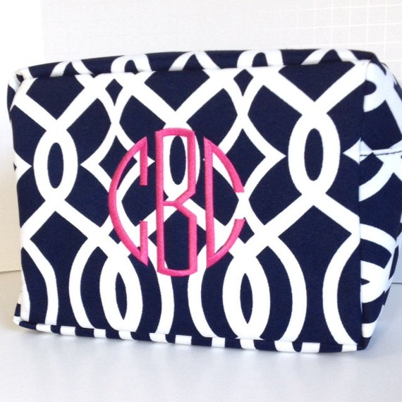 CLOSEOUT Monogrammed Navy Makeup Bag, Navy and White, Personalized Cosmetic Bag, Cosmetic Pouches, Bridesmaids Gifts, Bridal Shower Gift
