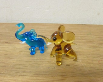 Pair of vintage hand-blown art glass elephant figurines