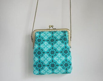 The Vintage Mint Green Cross Metal frame purse/coin purse / handbag /Pouch/clutch/tote bag/ Kiss lock frame bag