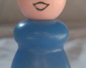 REDUCED PRICE!! Fisher Price Play Family Little People blonde mom/woman/teacher. Plastic head. Plastic body. FNPP