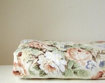vintage floral curtain fabric/ english rose material/ pastel cotton textile/cottage chic decor/soft furnishing fabric/vintage fabric destash