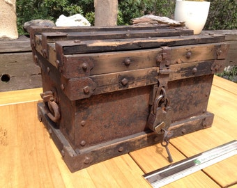 PETITE STRONGBOX, The American West, 1800s Strongbox, Historic TREASURE chest, Wells Fargo Company - Vanderman Type, Lock-Keys, ooak, rare.