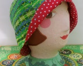 Hat Cloche cap fabric reversible light weight size Large X Large  cotton green and red