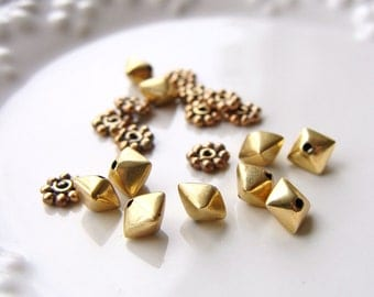 Gold Spacer Beads, Bronze Spacer Beads, Gold Bicone Bead, Gold Daisy Spacer Bead, 4-5mm, Assortment, destash, 10% off use code SAVE10