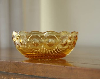 BARTLETT COLLINS MANHATTAN Vintage Amber Pressed Glass Bowl for Dessert / Nuts / Fruit, Bullseye & Cane Design, Small 4.5-inches diameter
