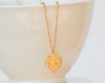 Gold Bee Necklace, Honeybee Necklace, 18K Gold Beekeeper Necklace, Beehive, Bumblebee Pendant, Gold Bee Pendant, Gardener Gift