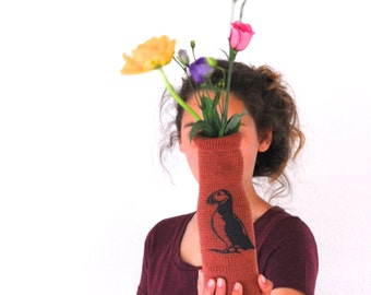 knitted vase cover PUFFIN