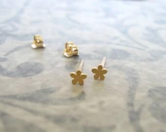 Gold flower stud earrings , Tiny flower studs , Brushed matt gold flower post earrings , Handmade by Adi Yesod