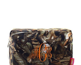 Personalized Make Up Bag, Monogrammed Cosmetic Bag, Camo Tote, Bridesmaid bags, Graduation Gift, Cosmetic Pouch, Camouflage Cosmetic Bag