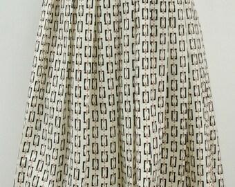 60s 70s Full Print Skirt, Vintage 1960s 1970s Boho Hippie Below Knee Size 12 Border Black Brown Cream, 60s 70s Patterned Skirt Earthy Colors