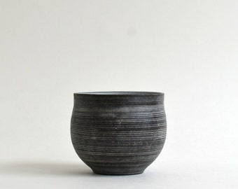 Yunomi Cup (White Striped Black) ; Wakako Senda (13003008-WS)