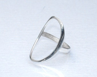 Fashion Ring - Minimal Ring - Open Oval Ring - Fashion Statement Ring - Trendy Jewelry - Silver Hole Ring - Fashion Gift - Trendy Ring