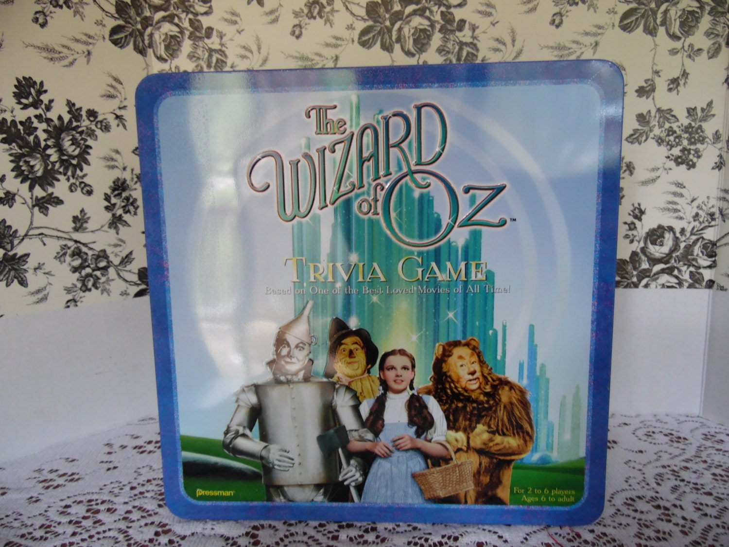 how to play wizard of oz trivia game