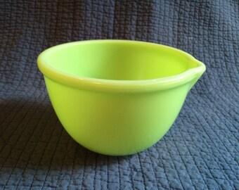 Vintage Jadeite/Green Mixer Mixing Bowl with Spout