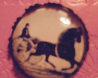 New!!!! Button with a Vintage look, Glass Dome  HORSE and BUGGY ... Beautiful  25mm