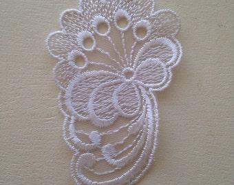 10 x Floral Lace Motifs