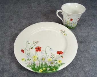 Hankook Saint James Super Strong Fine China 1435 Field Flower Service For 2