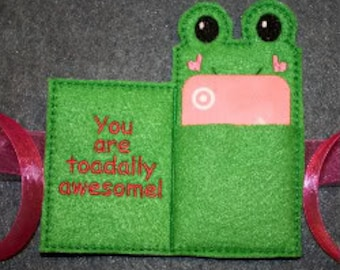 Frog Gift Card Holder Embroidery Machine Design for the 5x7 hoop