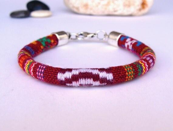 festival bracelet bracelet color bracelet par artmonydesigns. Black Bedroom Furniture Sets. Home Design Ideas