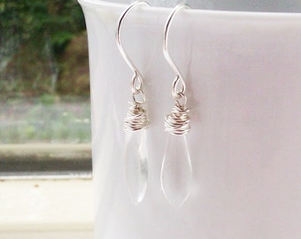 Elegant teardrop earrings, sterling silver and transparant simple earrings