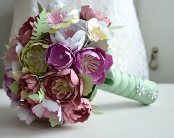 Bridal paper flower bouquet wedding paper bouquet   bridesmaids paper flowers paper anniversary bouquet. (FE276115)