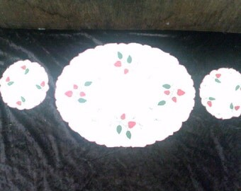 Embroidery Doily Set Strawberries