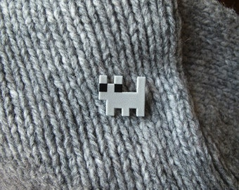 Solid color Pixelpet kitten brooch