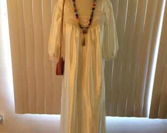 Vtg Boho Ivory Satin Like Hippie Cochella Gypsy Wedding Dress Gown Sz L