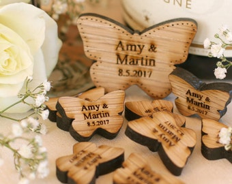 Personalised Wooden Hearts Rustic Wedding Favors Mr & Mrs Love Butterflies Wedding Table Decoration Favour Oak