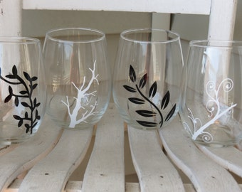 Set of 4 Stemless wine glasses with Black and White Branch Designs