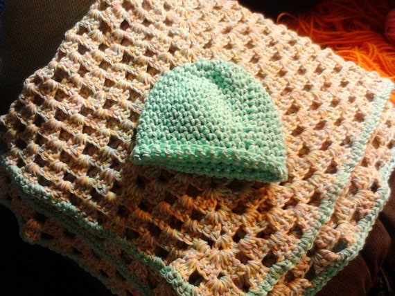 Adorable Newborn Set-Blanket and Hat Unisex!