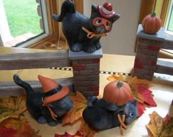 ceramic halloween kittys set of three black cats