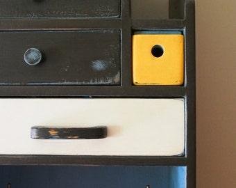 Cabinet receiver