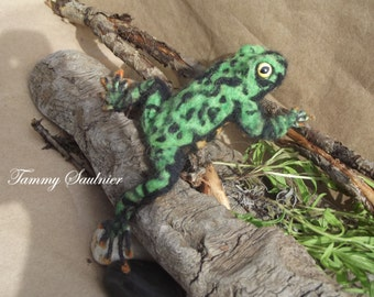 """OOAK Poseable Needle Felted """" Fire belly toad"""""""