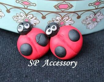 lady bug earrings, earrings clay, lady bug clay, leaf leather, clay earrings